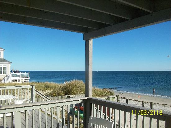 Beach House Inn: Deck view