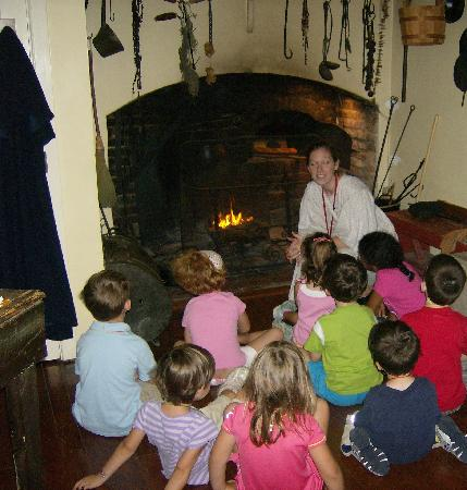 Rose Hill Manor Park & Museums: Touring the kitchen