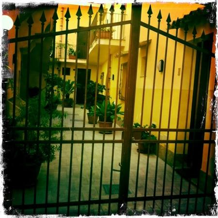 Hotel Centrale: una piccola Melrose Place