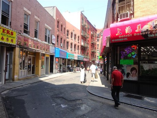 Foods of New York Tours : Lot of history about streets explained!