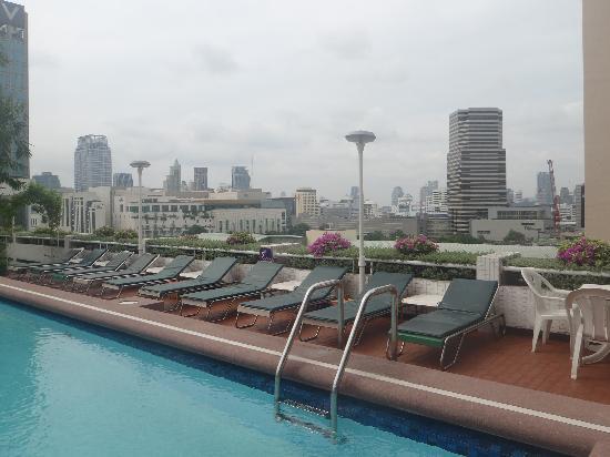 Asia Hotel Bangkok: Roof top pool