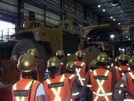 Malartic, Canada: Big machinery inside warehouse