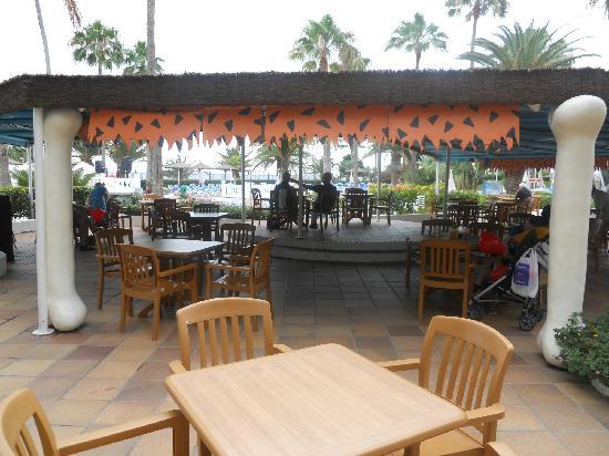 Sol Lanzarote All Inclusive : veranda sulla piscina