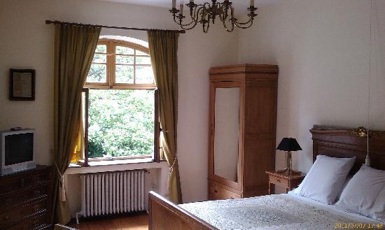 Les Heures Claires : ein Zimmer zur Gartenseite