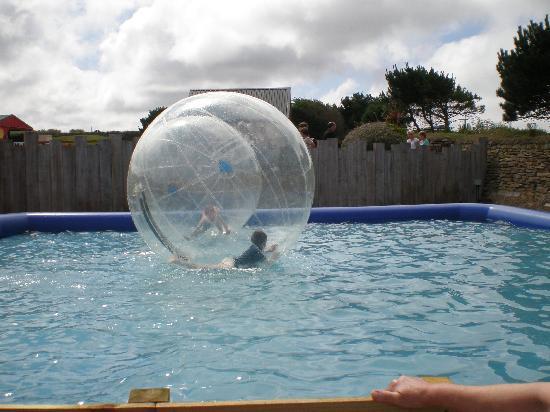 Holywell Bay Fun Park: Water walking