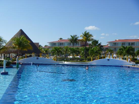 Moon Palace Cancun: Cold pool