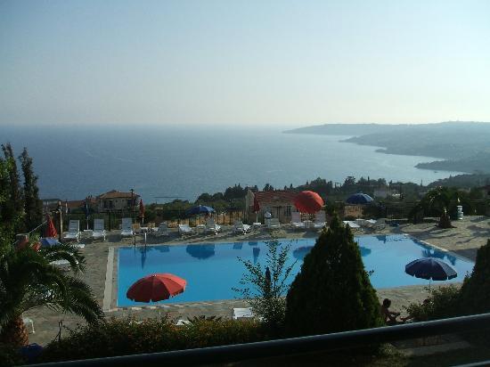 Antonia Studios: piscina