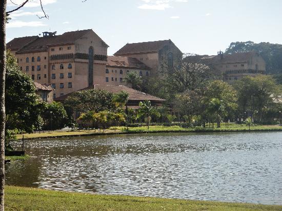 Virgilius Palace Hotel : The lake at The Grande Hotel