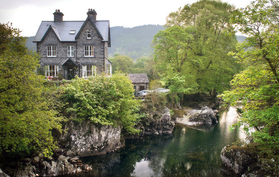 Bryn Afon Guest House- central and spectacular