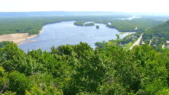 American Eagle Bluff Bed and Breakfast: Mississippi River