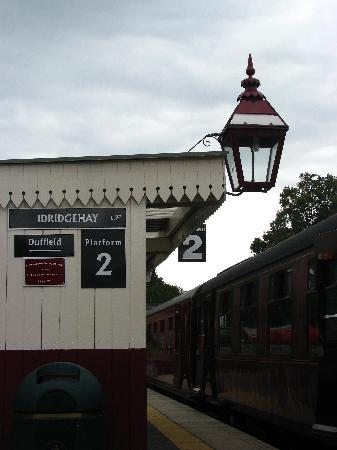 Ecclesbourne Valley Railway: You can travel to London St. Pancras from this platform at Wirksworth Station