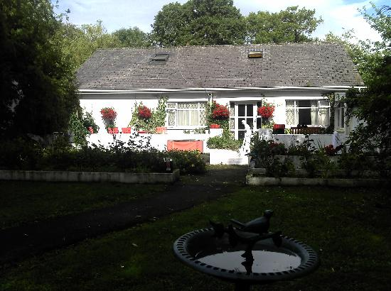 Aisling Bed And Breakfast: View Of The Back Of The Guest House, From The