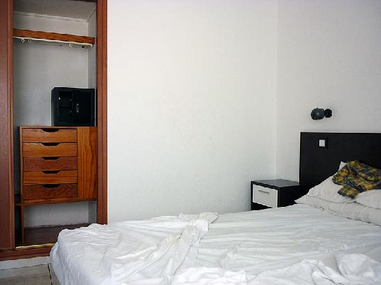 Portonovo Apartments: Our bedroom, with in-room safe