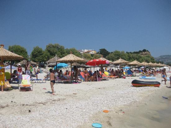 Grand Beach Hotel : the beach