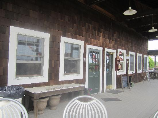 Nashoba Valley Winery : front of winery