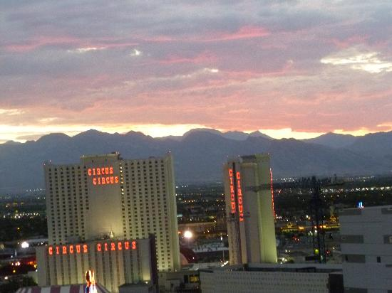 SpringHill Suites Las Vegas Convention Center: From Rooftop Pool