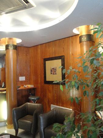 Hôtel Villa Luxembourg: Recepcion hotel