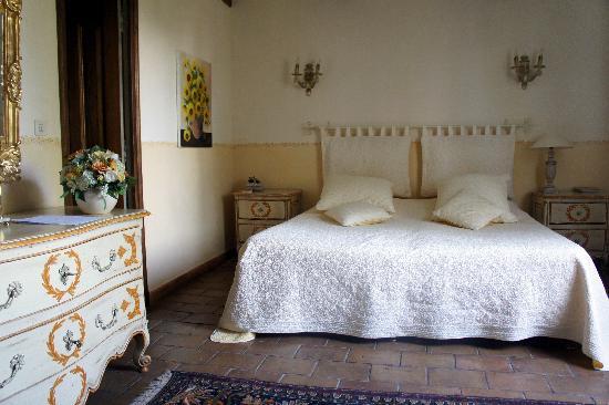 Le Balcon  Des Alpilles: The Sunflower bedroom