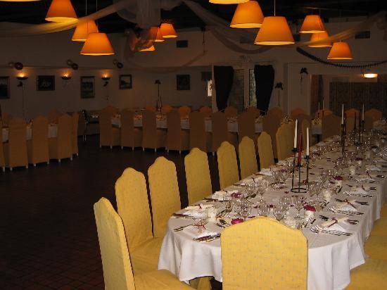 Causse Comtal: Grande salle pour les occasions