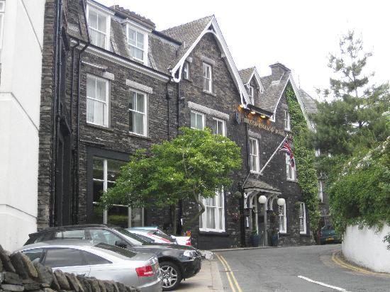 Macdonald Old England Hotel & Spa: Facade of Old England Hotel