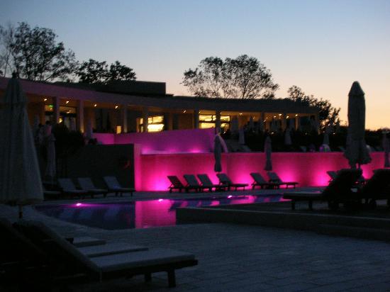 Atlantica Eleon Grand Resort & Spa: Pool area by night