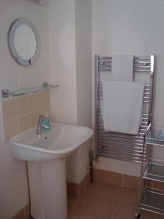 Cornerways Bath: Bathroom-Room 2