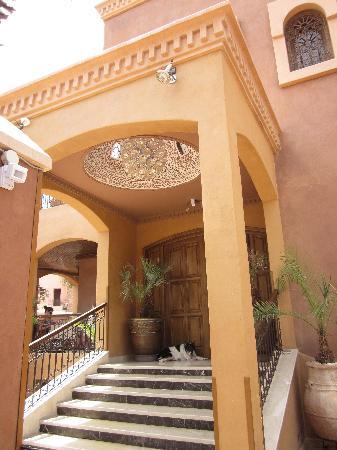 Ushuaia la villa: The entrance