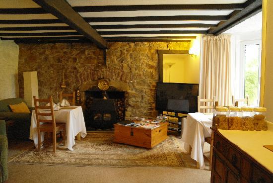 Kiltaraglen House: Guest Lounge