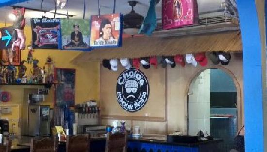Cholos Homestyle Mexican Restaurant: Very cute inside!