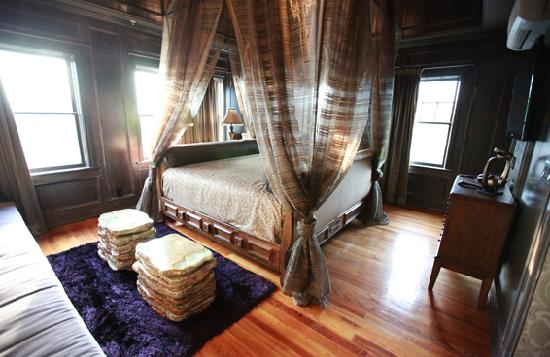 The Campbell Hotel: Renaissance Suite