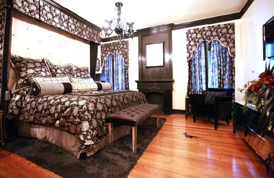 The Campbell Hotel: Standard King Room