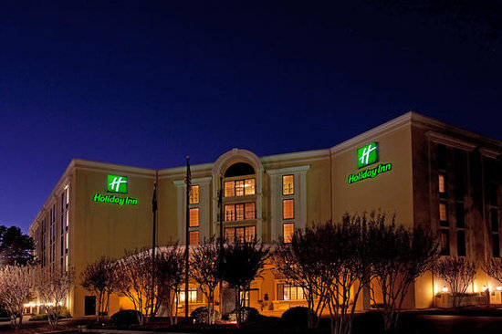 Holiday Inn Charleston-Mount Pleasant: Hotel Exterior