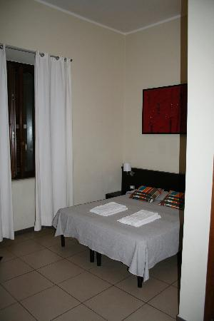 San Lorenzo Guest House: Bedroom (#108) upon check-in