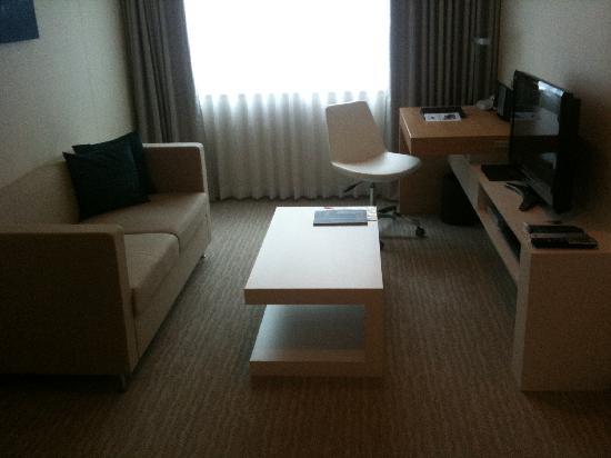 Fraser Residence Nankai Osaka: the living-room