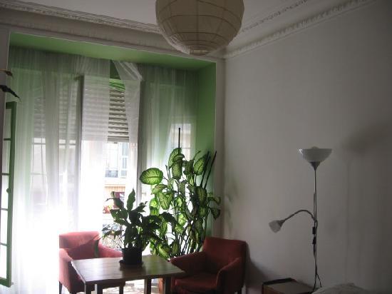 Chez Josephine : inside the Green Room