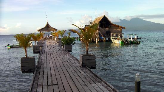 Sanbis Resort: view of bar over water