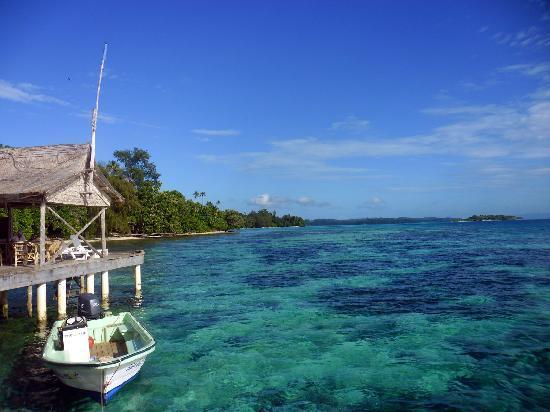 Sanbis Resort: crystal clear water