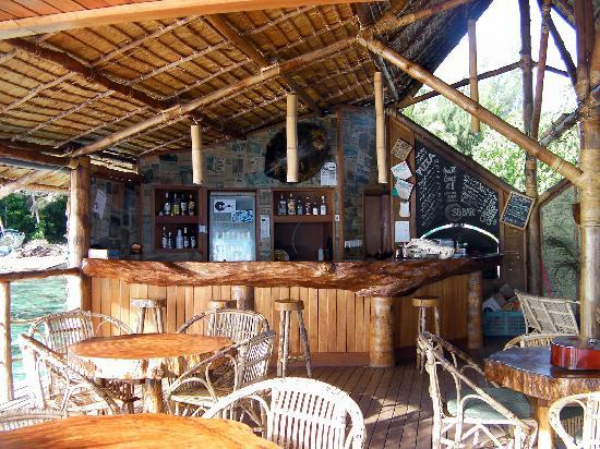 Sanbis Resort: bar over the water