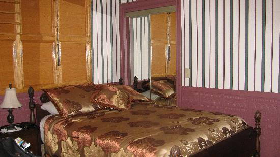 The Tailor Shop Historic Hotel: Room #1