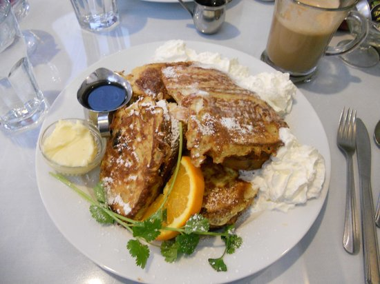 Sandpiper Cafe: Amazing french toast!