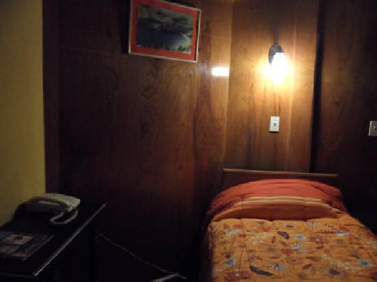 Hostal Turistico Rubi los Portales: Habitacion Simple