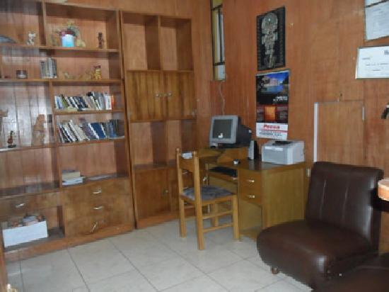 Hostal Turistico Rubi los Portales: Area de internet