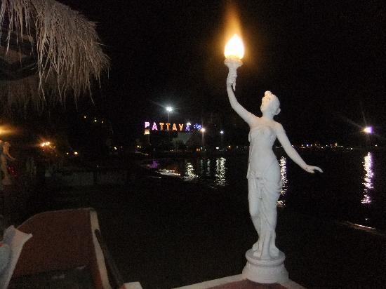 Siam Bayshore: good night Pattaya