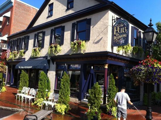 The Pub Restaurant Terre Am Tag