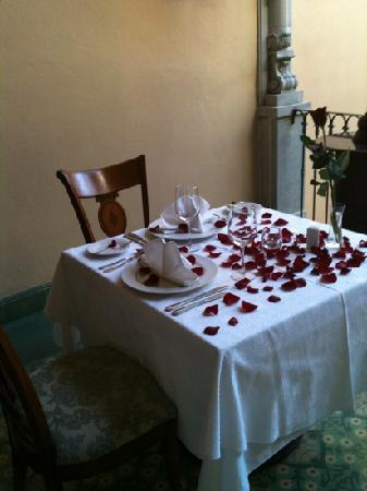 Villa Maria Cristina Relais & Chateaux: cena romántica