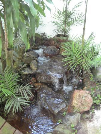 Baru Lodge: Soothing Waterfall