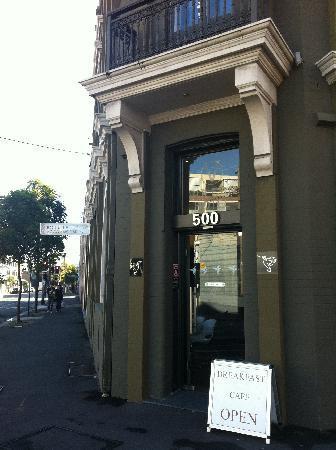 Vulcan Hotel: Cafe entry