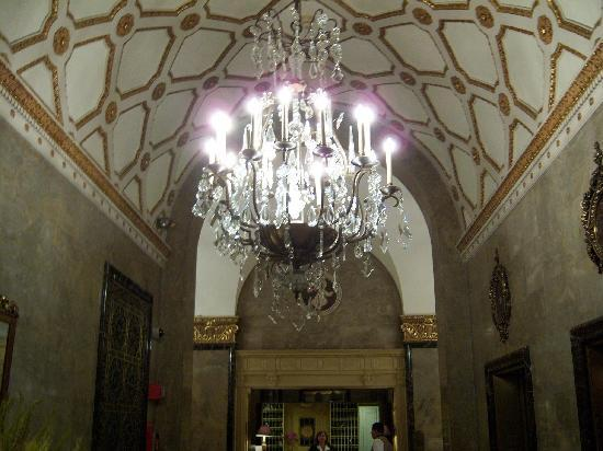 The Sherry-Netherland Hotel: Hotel reception