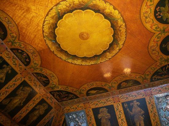 The Sherry-Netherland Hotel: Hotel elevator