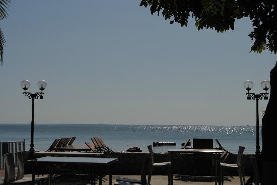 โรงแรมสายลม: the ocean